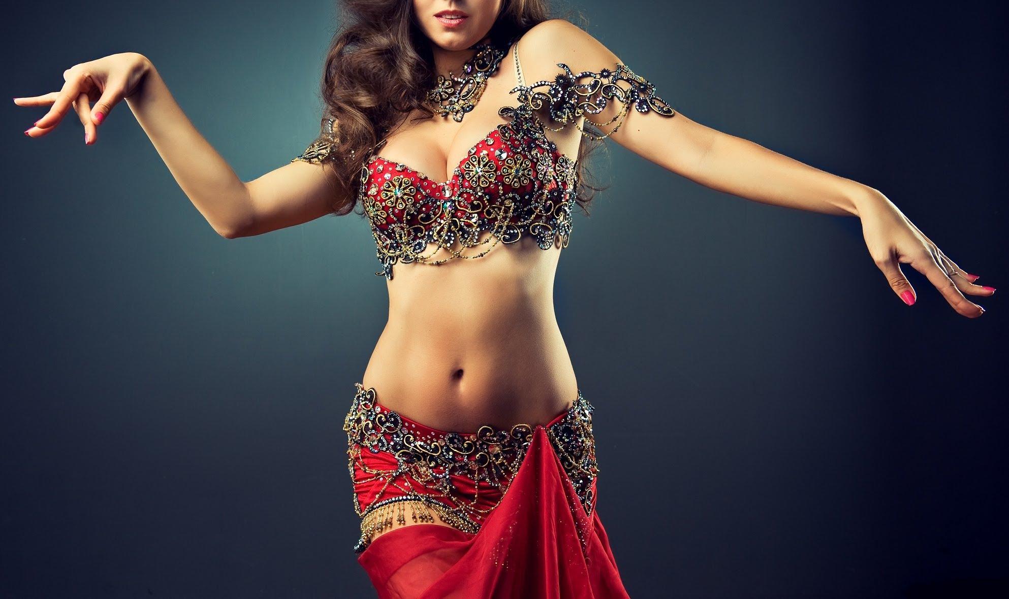 Indian woman striptease 13